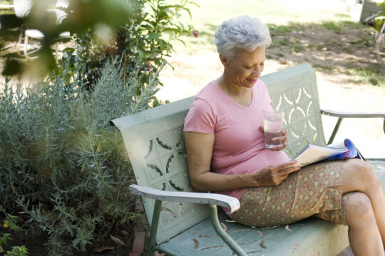 6 Easy Ways to Help Seniors Stay Hydrated This Summer