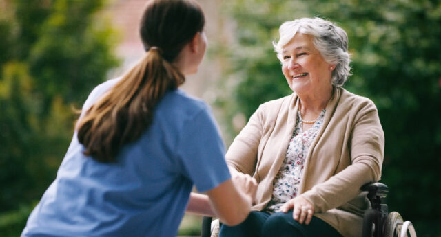 Research Points to 4 Top Benefits of Assisted Living
