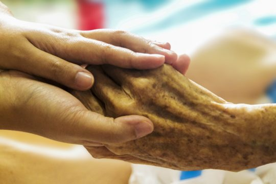 What to Expect When Someone You Love Enters Hospice Care