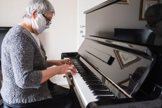 Music Proves Therapeutic for Seniors with Dementia During Covid